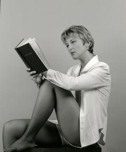 girl_reading_books.jpg
